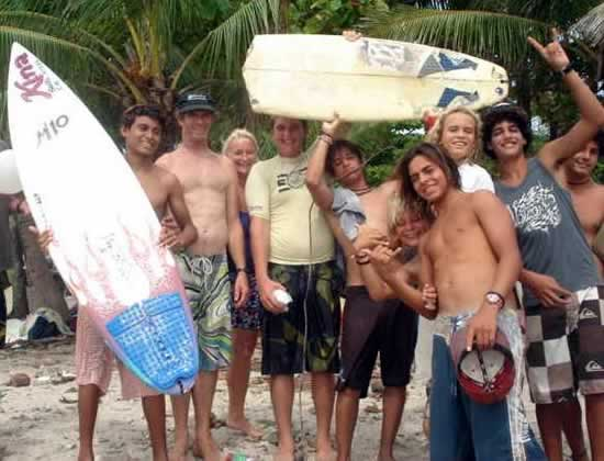 Pictured from left Ronald Garcia, Ian and Carolyn Corrigall, from Kina Surf, and Ronalds friends from Cabuya Surf Club. Photo by Chris Johnson.